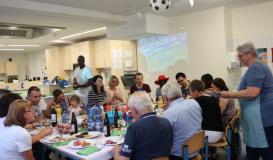 Juni 2018 Public Grilling & Viewing beim internationalen Kochabend Roding. Küche des WM-Gastgeberlandes Russland (Bild: Multikulti Verein)