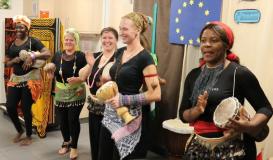 November 2017 Küchenparty Roding. Afro-Trommel (Bild: Multikulti Verein)