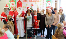 Dezember 2017 Team hinter der Nikolausmatinee - Betreuer uns Nikolaus (Bild: Multikulti Verein)