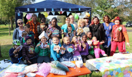 September 2017 Kinderfest mit dem Clown Hoppalla aus Walderbach (Bild: Multikulti Verein)