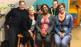 September 2017 Vorstandschaft posiert nach einer Sitzung (Bild: Multikulti Verein)